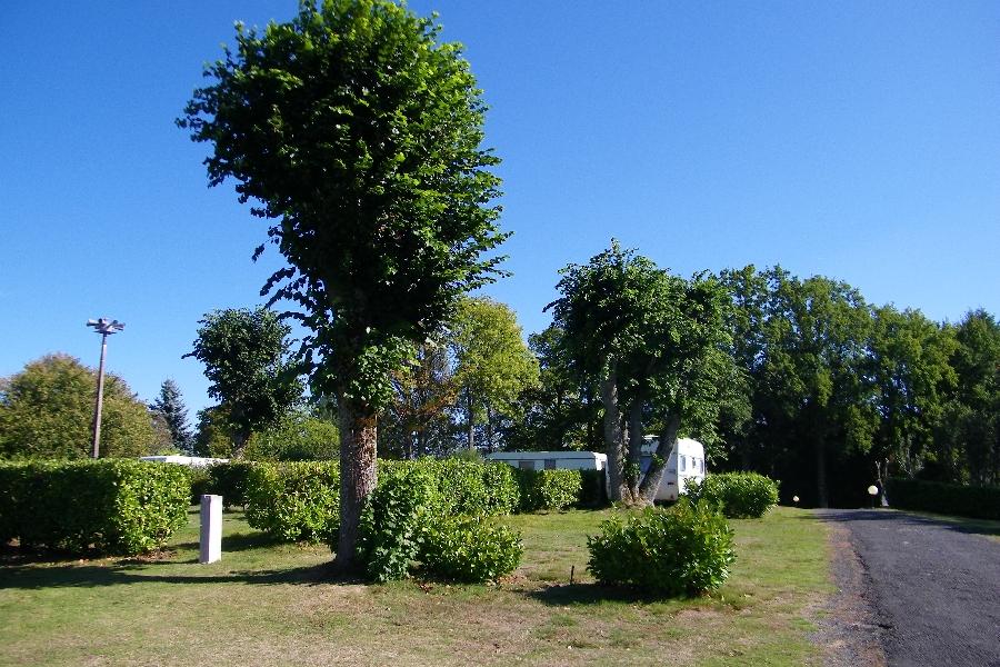 Camping municipal argences aubrac tourisme for Piscine argences