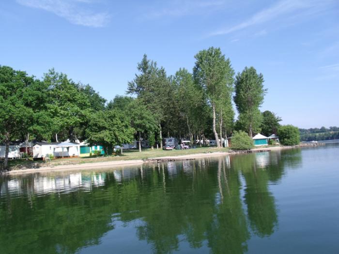 CAMPING SAINT ETIENNE-Lac de Villefranche de Panat