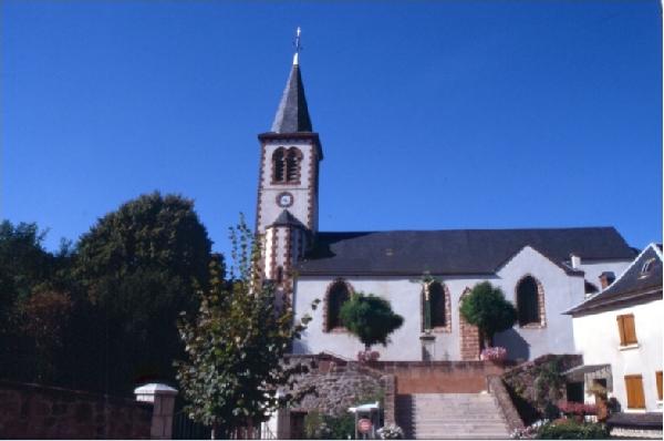 Église de St Laurent d'Olt