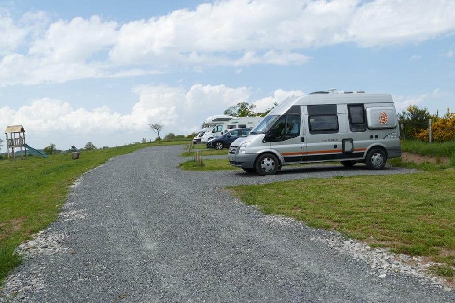 aire de camping car 6 emplacements la ferme v zins de l v zou. Black Bedroom Furniture Sets. Home Design Ideas