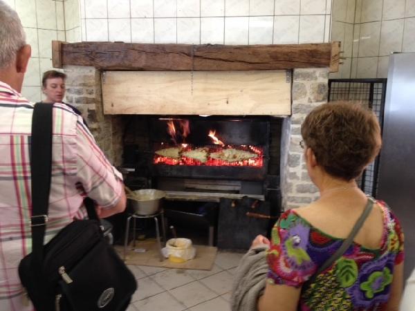 F'Estivales du Lot à l'Aubrac : visite de l'Atelier de fabrication de gâteaux à la broche chez Gigi