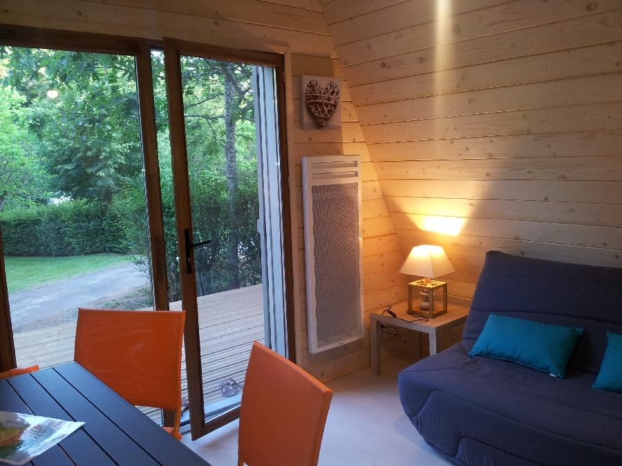tipis en bois de brommat carladez tourisme en aveyron. Black Bedroom Furniture Sets. Home Design Ideas