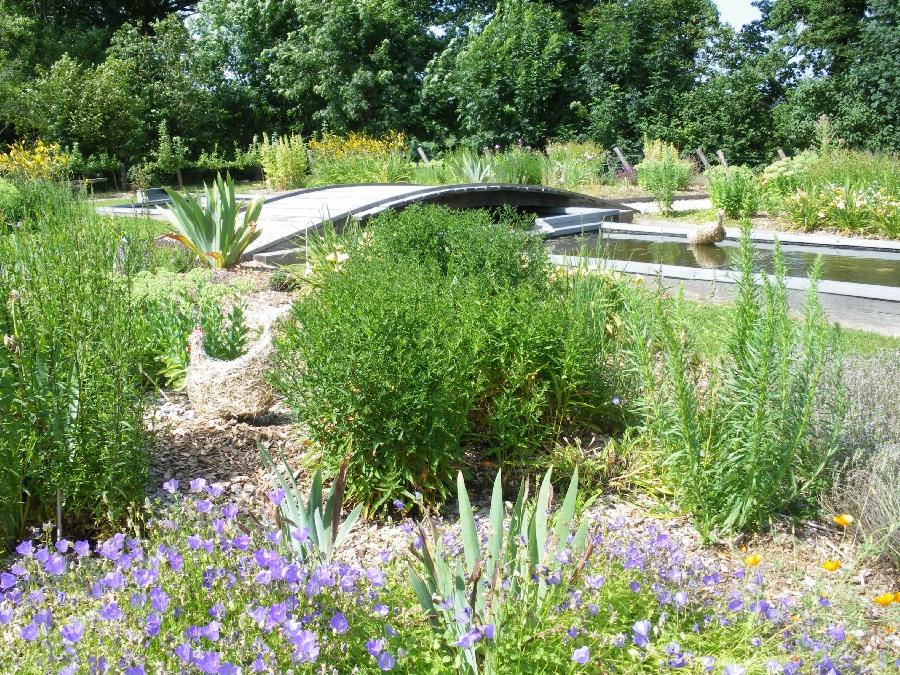 Le jardin des 5 sens visite carladez tourisme en aveyron for Jardin des sens vietnam