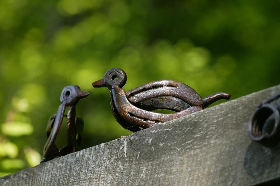 Sculptures de fer sur le sentier de Murols