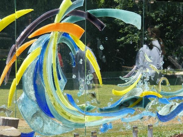 Création de verre sur le Sentier de l'imaginaire Au fil de l'eau