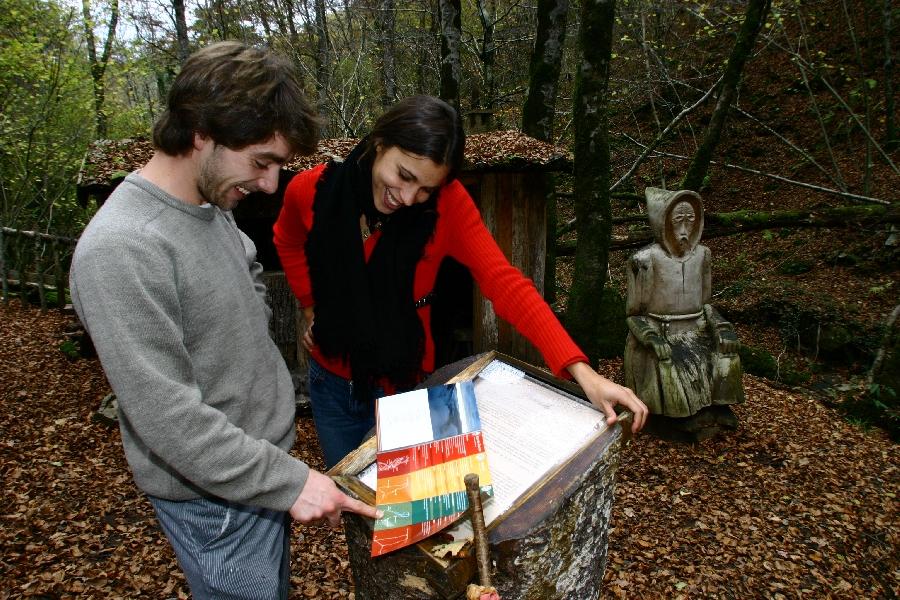 """Le sentier de l'imaginaire """"la Forêt magique à Taussac"""""""