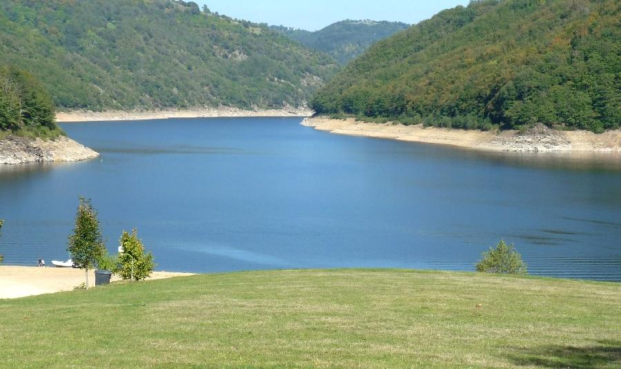 Presqu'île de Laussac, lac de Sarrans