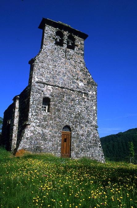 La chapelle de Laussac, lac de Sarrans