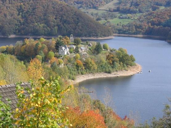 Presqu'île de Laussac couleurs d'automne