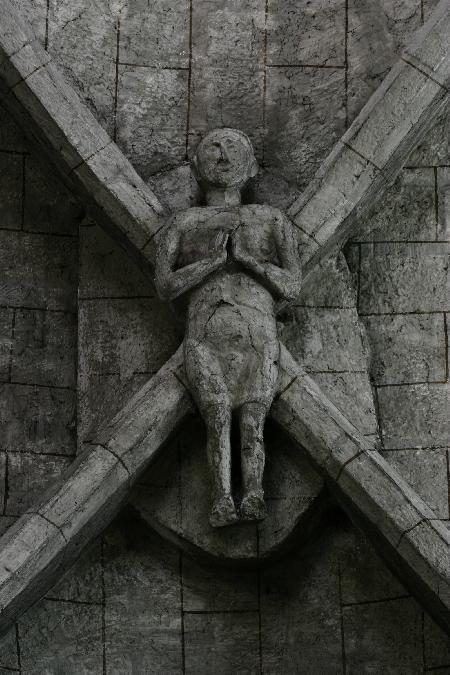 Gisant en Clé de voûte - Eglise St-Thomas de Canterbury