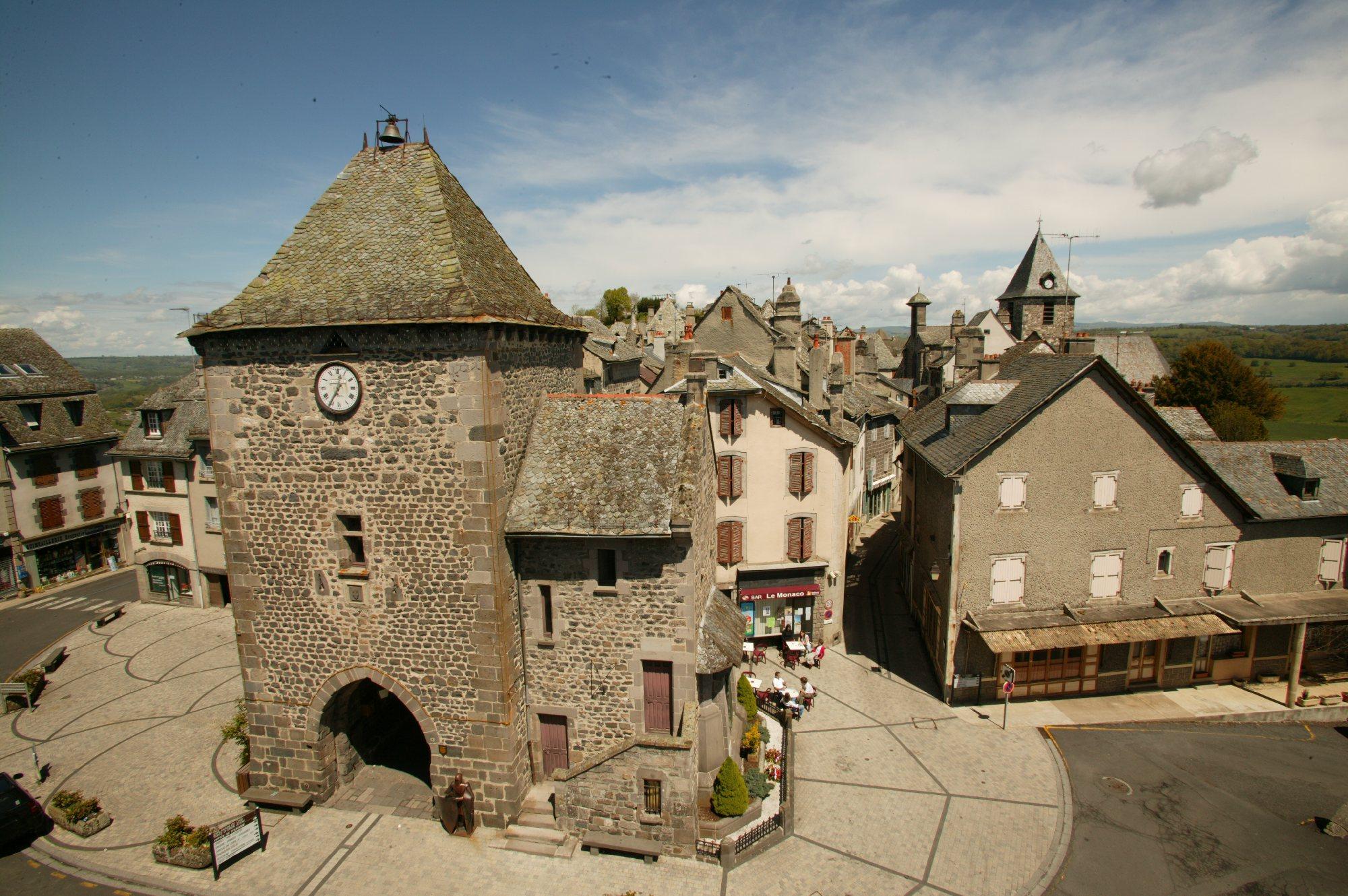 La tour de monaco mur de barrez patrimoine tourisme aveyron - Office de tourisme de monaco ...