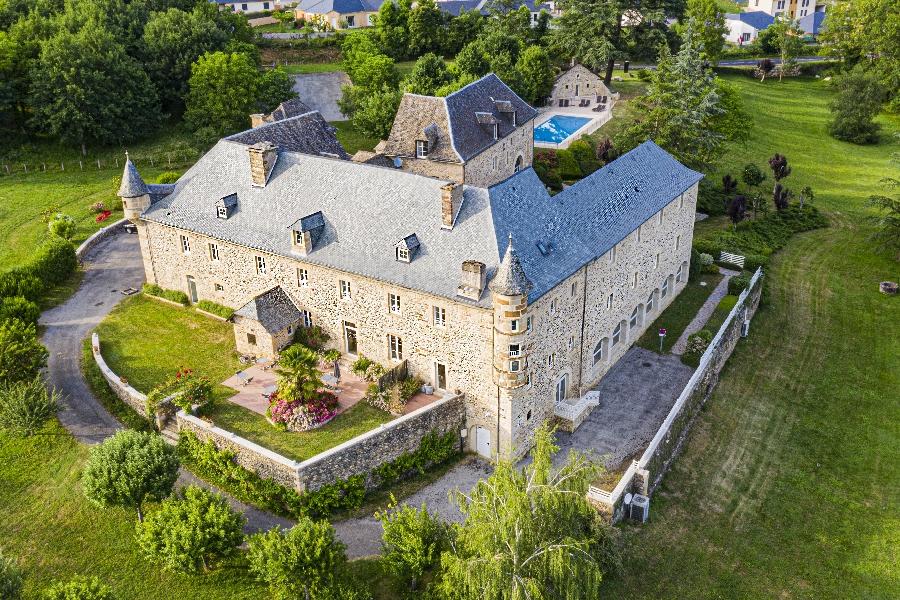 Hôtel et Centre Balnéo du Château de la Falque
