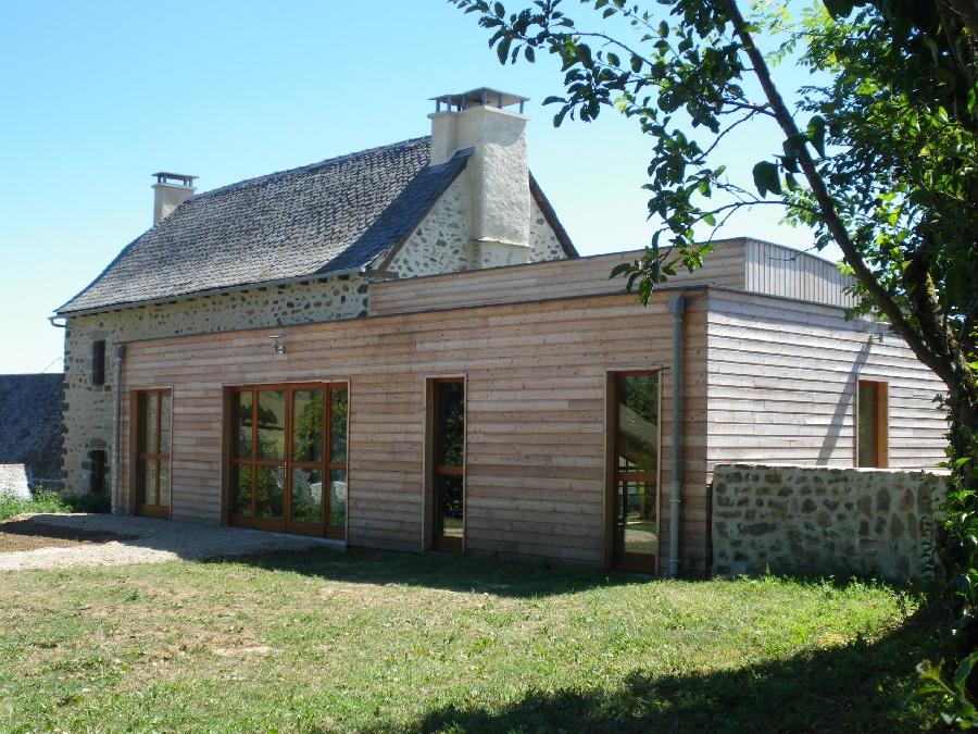Maison du Bois sur le sentier de l'imaginaire de Taussac