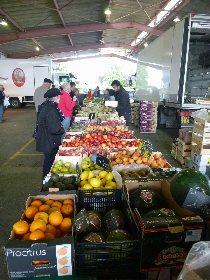 Petit marché à Réquista