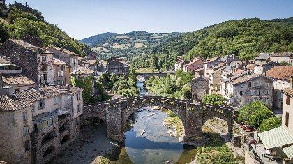 Vue de Camarès, ©steloweb pour office de tourisme Rougier Aveyron Sud
