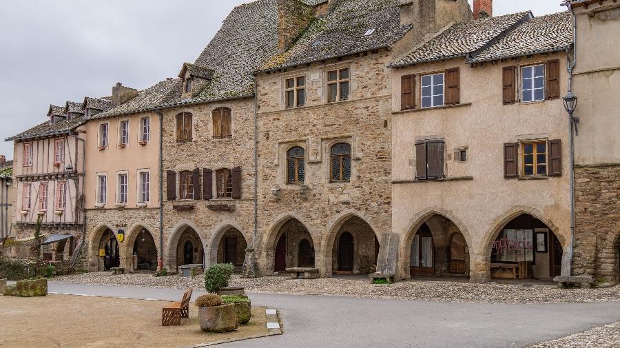 Visitez Sauveterre de Rouergue