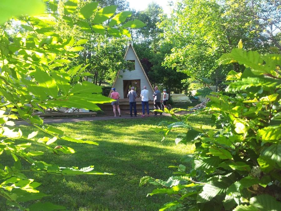 Tipis en bois et Camping Municipal de Brommat
