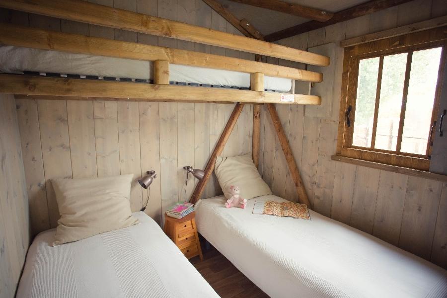 Chambre 3 lits cabane lodge