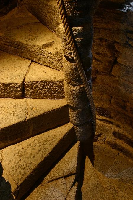 Escalier fantastique du Château de Valon