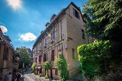 Hôtel de 17 chambre au coeur de Conques, plus beau village de France. , OTCM