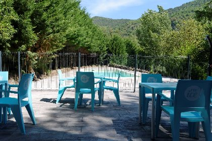 Terrasse piscine, CAMPING LE PONT