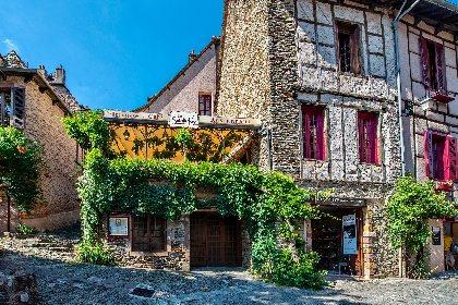 Hotel-restaurant Sainte-Foy à Conques en Aveyron,