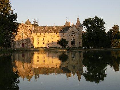 Abbaye fortifiée et Parc de Loc-Dieu