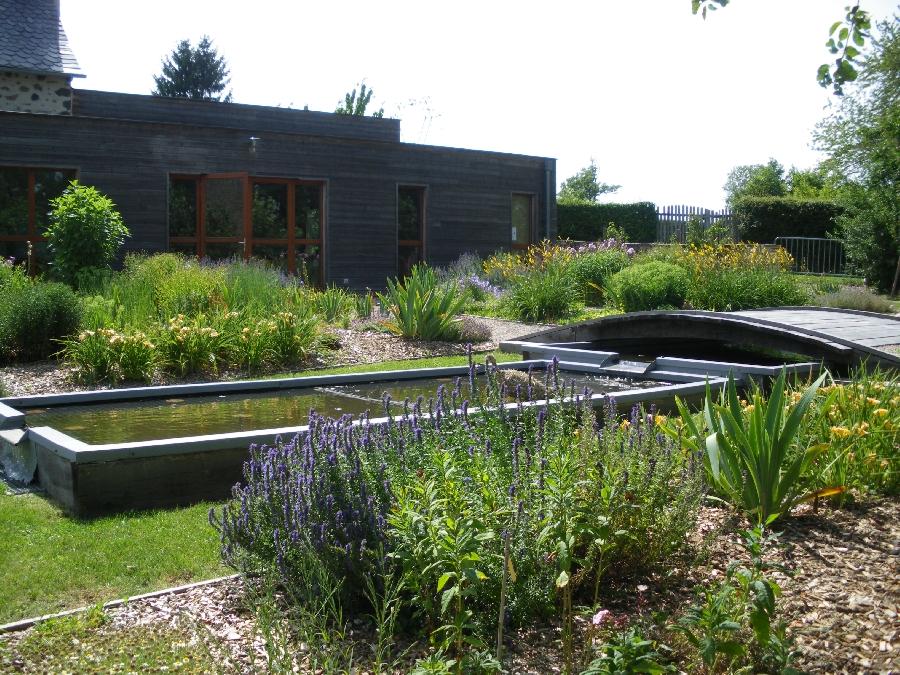 Le jardin des 5 sens carladez tourisme en aveyron for Jardin 44 des 5 sens