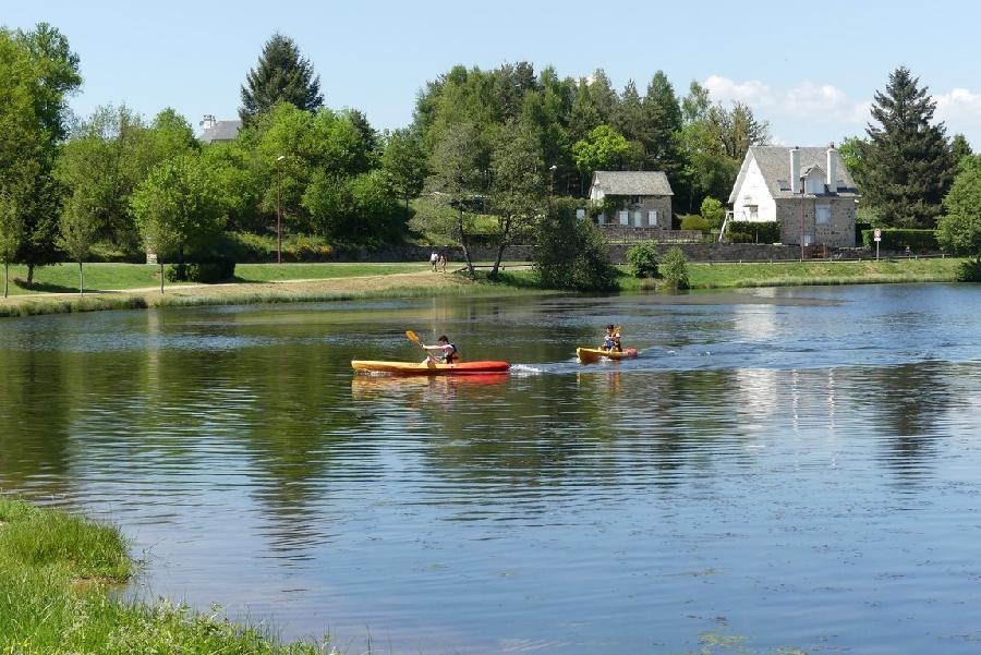 Location de canoës, kayaks, pédalos et paddles
