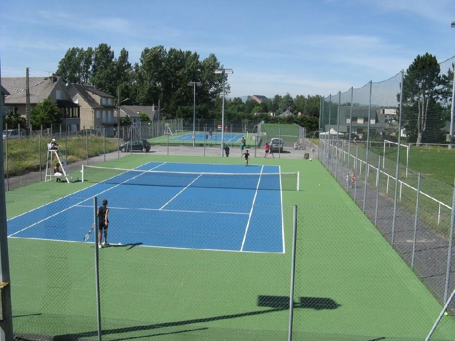 Courts de tennis de Ste Geneviève sur Argence