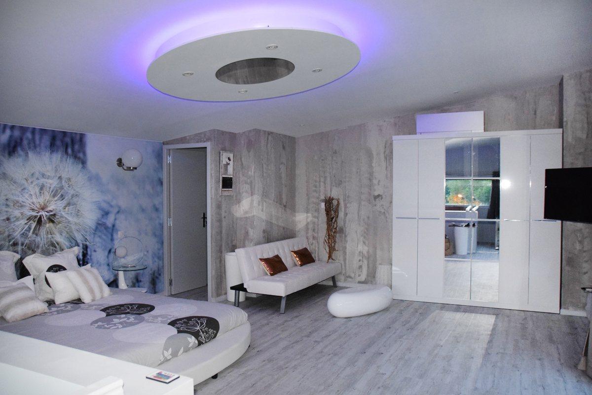 Dandelion g te design et spa tourisme aveyron for Decor 2000 ajaccio horaires