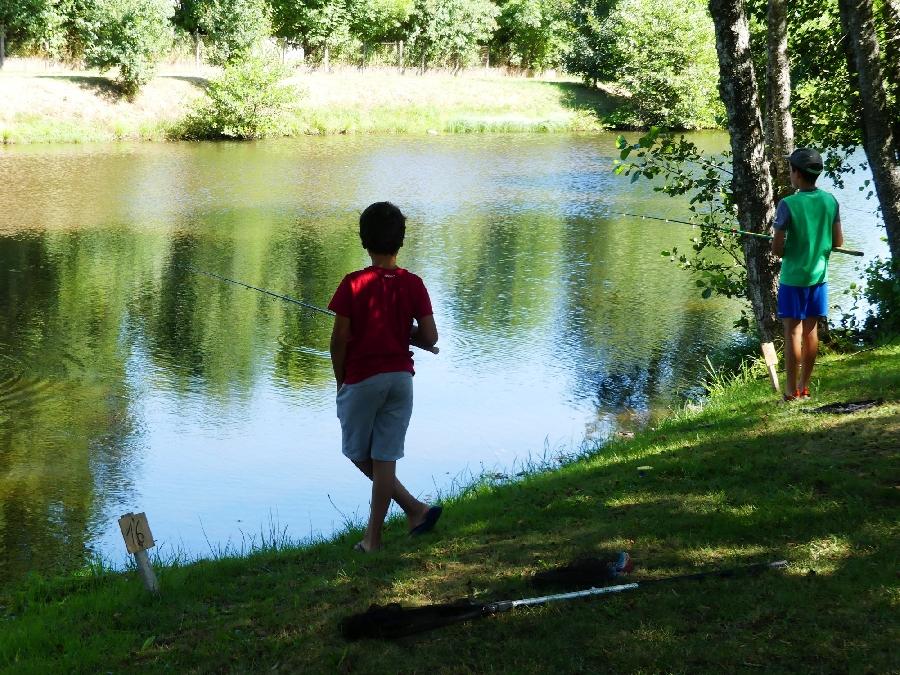 Concours de pêche pour les jeunes à Ste Geneviève sur Argence