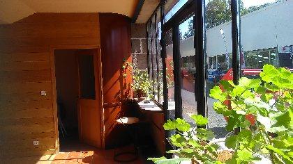 L'ancienne forge aménagée : accueil et café d'Emilie, Lucien Pagès