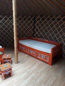 Intérieur de la yourte, Camping Le Plô Recoules-Prévinquières