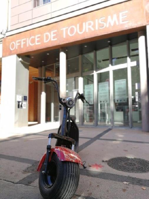 Balade en trottinette et visite découverte de Rodez