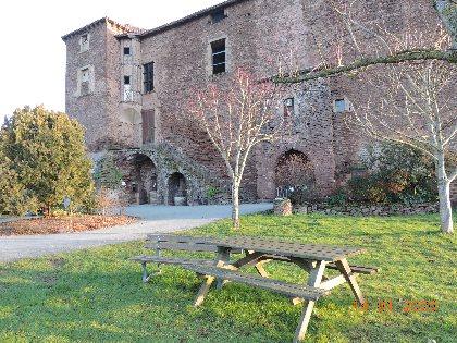 Aire de pique-nique du château, Mairie St Izaire