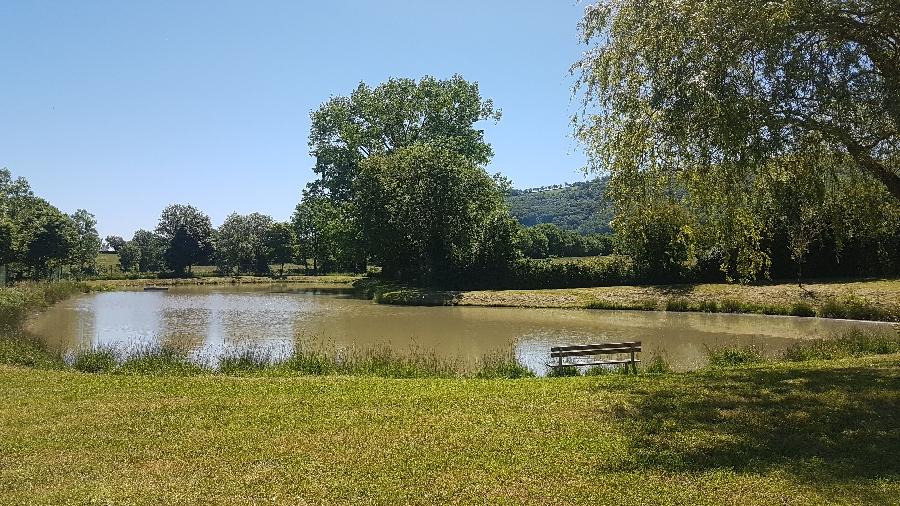 Aire de pique-nique du Lac du Ponteil à Sévérac l'Eglise