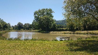 Aire de pique-nique du Lac du Ponteil à Sévérac l'Eglise, Office de Tourisme des Causses à l'Aubrac