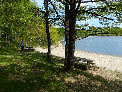 Aire de pique-nique plage du lac des Galens