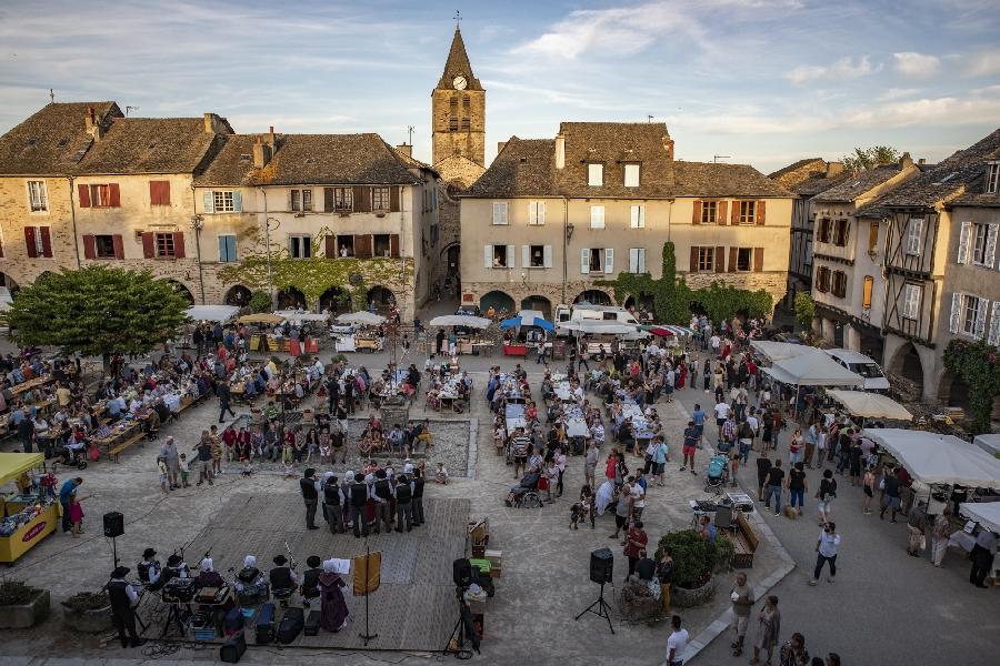 Marché nocturne de Sauveterre-de-Rouergue