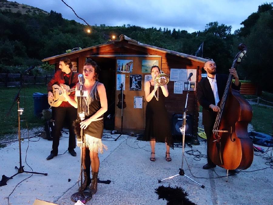 Concert à la guinguette Canoë Café