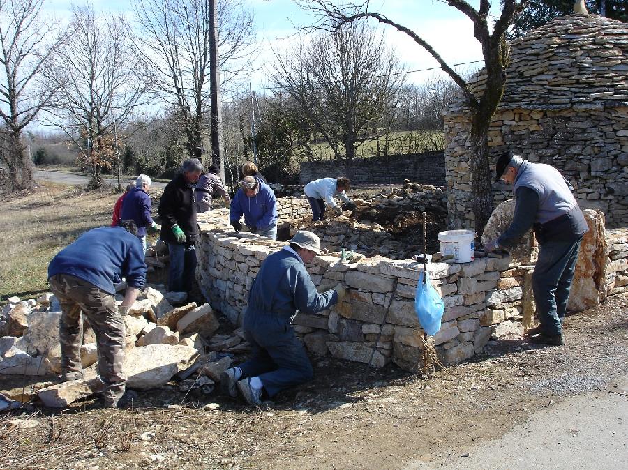 Visite de chantier - restauration de murets et gariote
