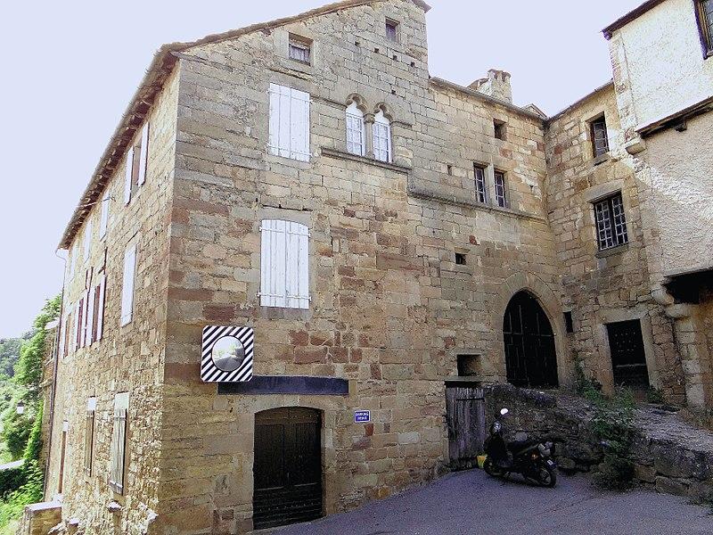 Les deux maisons romanes