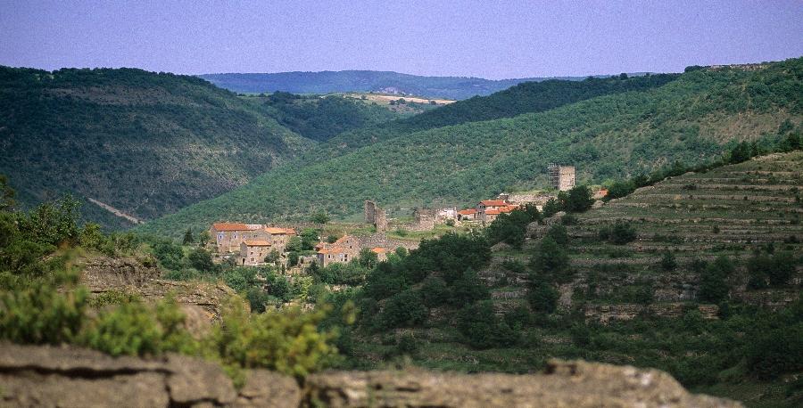 Vestiges du château d'Auriac