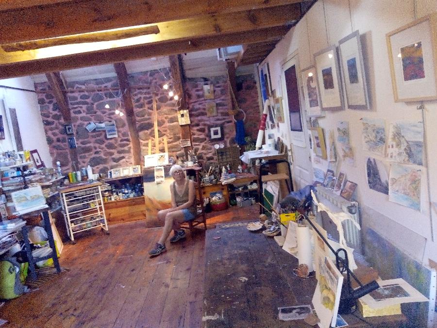 Visite d'un atelier d'artiste peintre