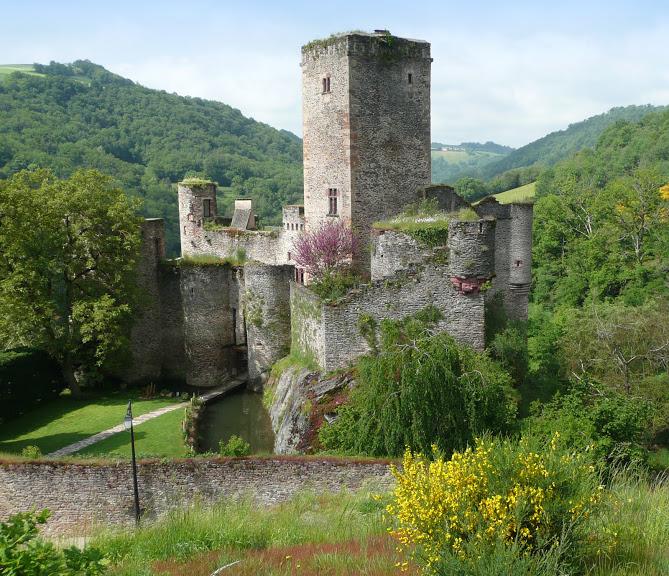 Exposition au château de Belcastel
