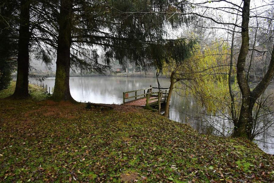 Plan d'eau de Roupeyrac (lâchers de truites- payant)