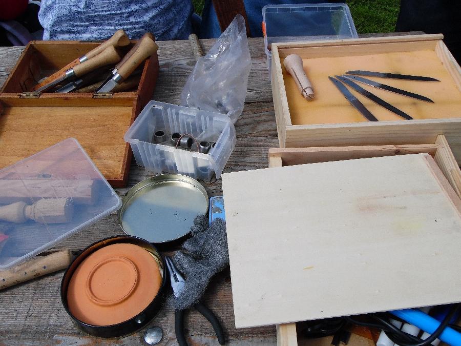 """Atelier fabrication d'un """"capujadou"""", couteau traditionnel, à la ferme"""