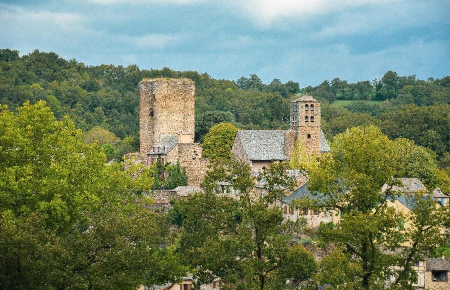 Visite guidée de la basilique de Ceignac et du village de Calmont de Plancatge