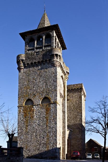 Visite guidée : l'église fortifiée de Sainte-Radegonde et son bourg